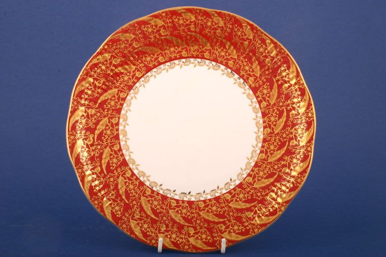 Elizabethan - Sovereign - Red - Cake Plate